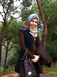 Menna Y. - Experienced Arabic Teacher with an MBA degree in Strategic Management
