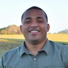 Esafe V. - Experienced College Math Tutor
