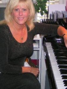 Linda F. - Music Theory and Composition