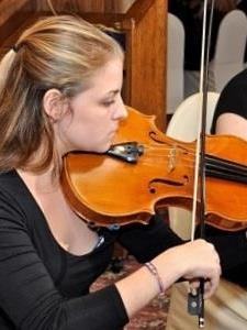 Linnea M. - Fun and thoughtful Violin/Viola teacher with a Masters In Viola