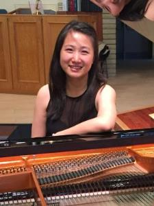 Yuerong G. - Experienced piano teacher