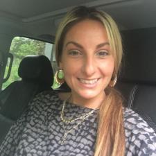 Danielle R. - La italiana que vive como Colobiana