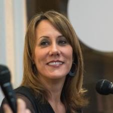 Mary V. - Experienced Professor, Writer, and Editor