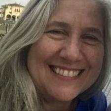 Ana D. - Passionate  and Experienced French and Spanish Tutor