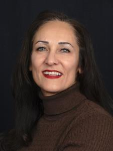 Elham H. - Business, Marketing and Communications Expert