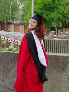 Ashleigh W. - Enthusiastic, Friendly, Master's in Psychology