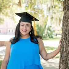 Mariana A. - Recent graduate looking to assist students in need