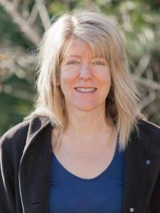Elizabeth W. - Experienced chem prof