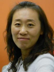 Lijun L. - Native Mandarin speaker and passionate educator