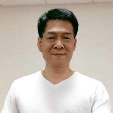 FRANK K. - Asian Trilingual Friend next door
