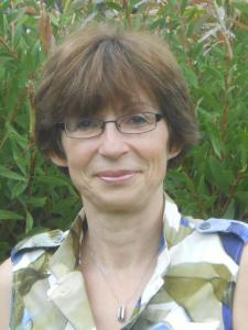 Ghislaine L. - Expert Economics and French Tutor