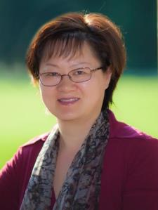 Jianmei W. - Well-Known Chinese And Math Teacher With 26 Years' Teaching Experience