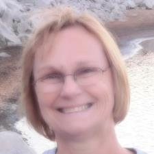 Kim C. - Experienced Middle and High School Tutor, Specializing in English