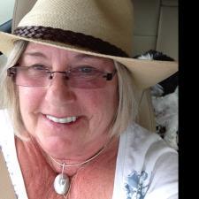 Leslie B. - Elementary writing tutor using life's experiences and imagination.....