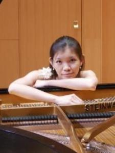Yun-Yun C. - Chinese Tutor and Piano Instructor
