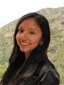 Yuliana M. - Experienced Linguist and Teacher