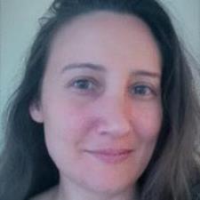 Esra E. - Accomplished test scorer, experienced in teaching